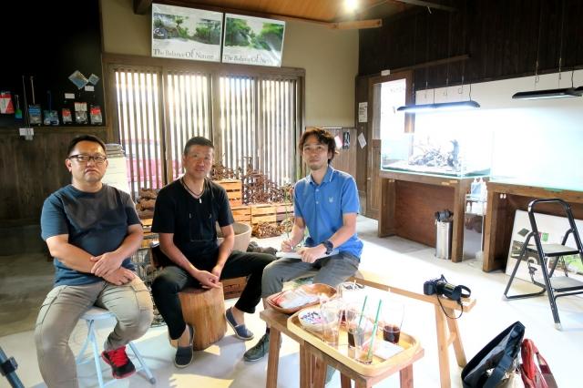左側よりFin福島店長、私、Wasabi神崎店長