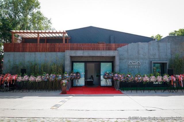 入口の雰囲気はADA本社の装いと似ていますが、ショールームも見ごたえ満載でしょう!