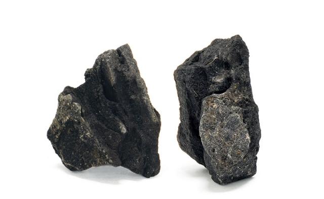 山水石(さんすいせき)